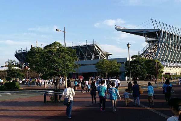 スタジアムの外から