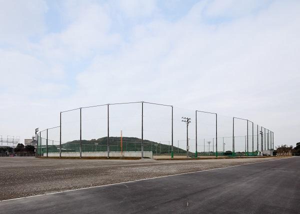 自由ヶ丘高等学校 野球場(外観北東面)