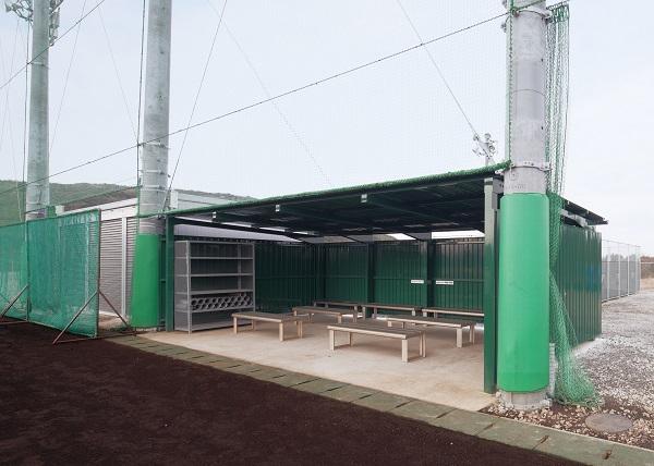 自由ヶ丘高等学校 野球場(ベンチ)