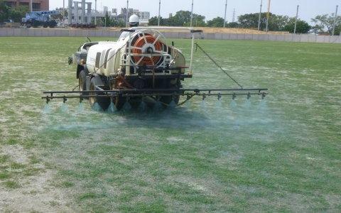 芝生養生管理3