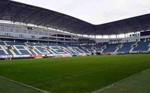 ゲラムコ・アレナ(ベルギー:KAAヘントホームスタジアム)